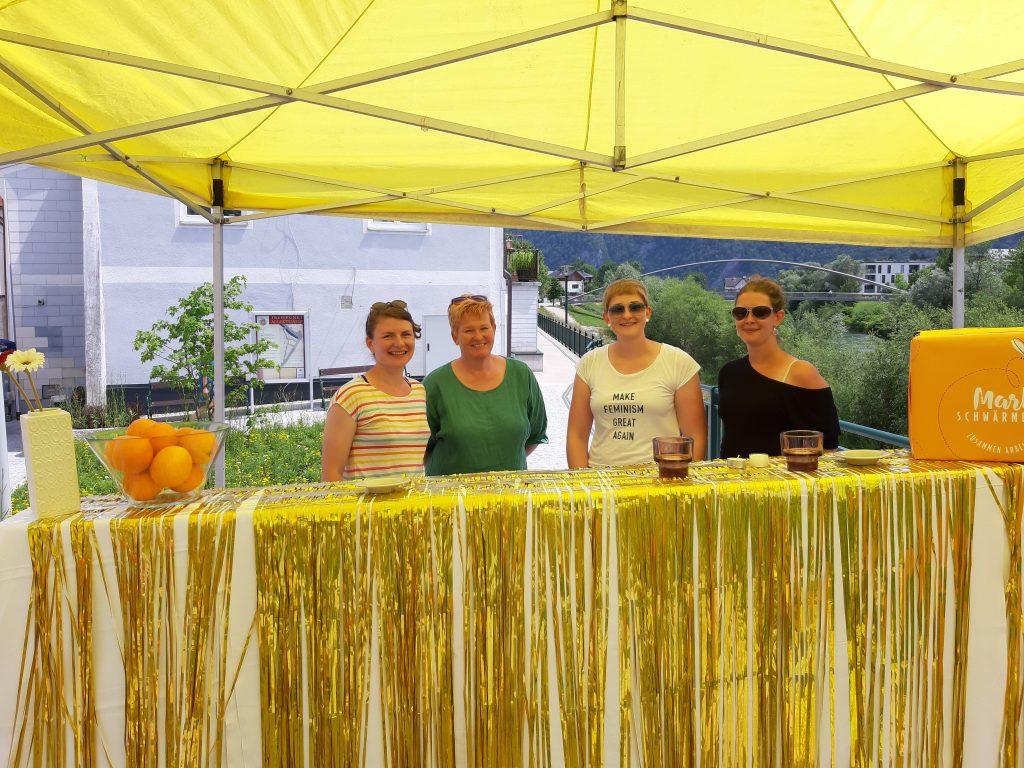 Erfrischende Getränke und Infos zum Projekt gab's beim sommerlichen Brückenfest.